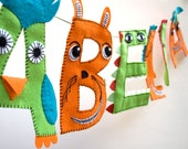 8 Personalized Child's Name Garland with Funny Faces - 8 letters
