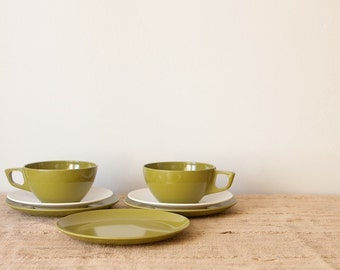 Melmac Dishware Snack Set in Avocado Green and White