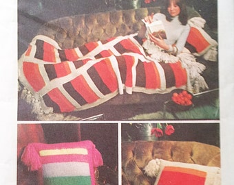 Simplicity 5769- Knitting Fashions Afghan and Throw Pillow 1973