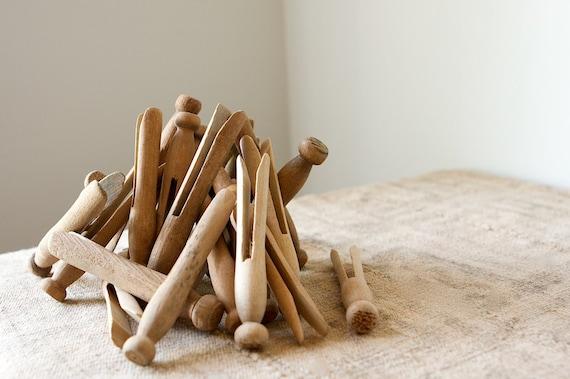 Wooden Clothes Pins, Round