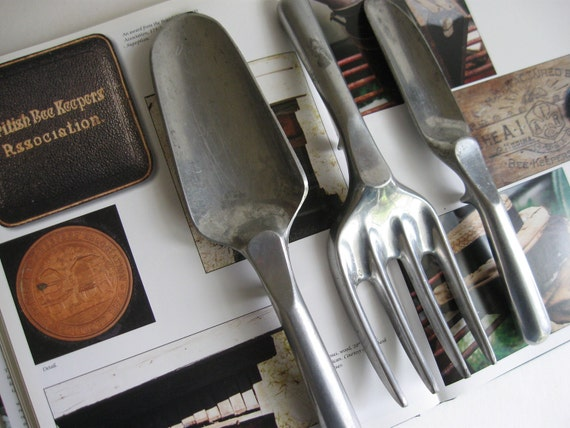 3 vintage garden tools