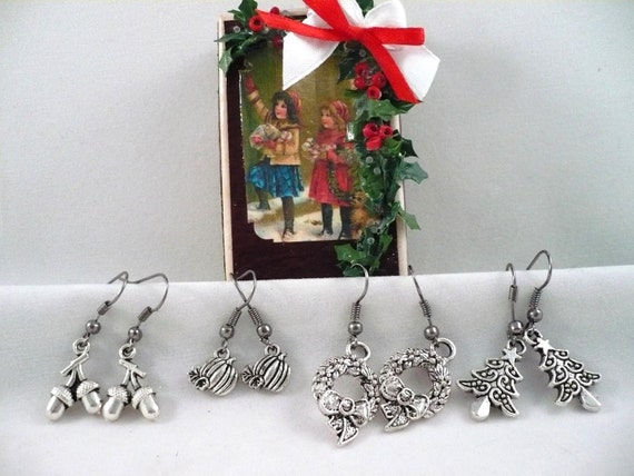 4 Sets Autumn and Christmas Charm Earrings with Vintage Gift Box