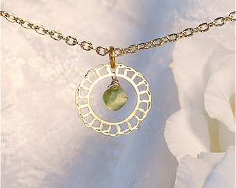 Lacy Gold Minimal necklace with Peridot, Delicate necklace, Gold jewelry, Modern jewelry