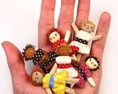 Primitive Rag Doll Kit Makes 6 Dolls Dollhouse Miniature Size Folk Doll Set