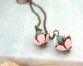 TINY CUPCAKES. Vintage enamel pink bead caps earrings in antique brass