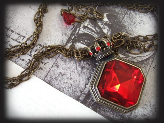 The Red Queen. Alice in wonderland inspired choker necklace in antique brass