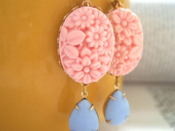 SUMMER GARDEN coral pink resin flower cab earrings with vintage glass pear shaped jewel