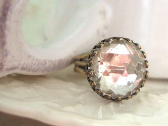 ICEY vintage glass cab ring in antique brass