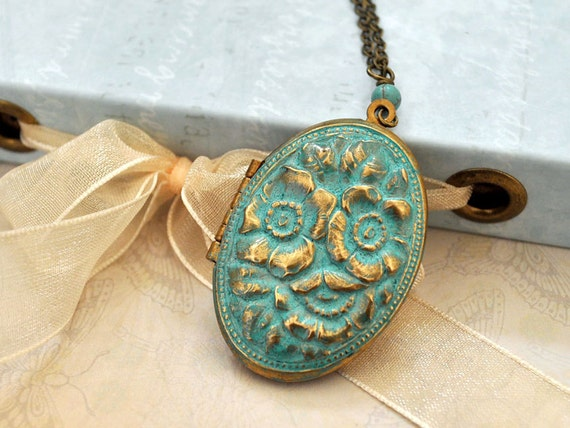 Mossy flower,   vintage locket necklace with blue patina