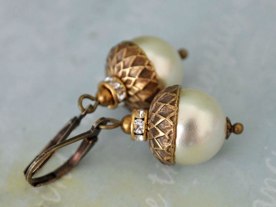 TINY ACORNS creamrose Swarovski pearl acorn earrings in antiqued brass fall wedding bridal