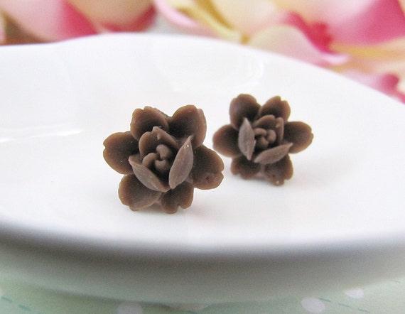 Choco Petite Rose Cabochon Ear Studs
