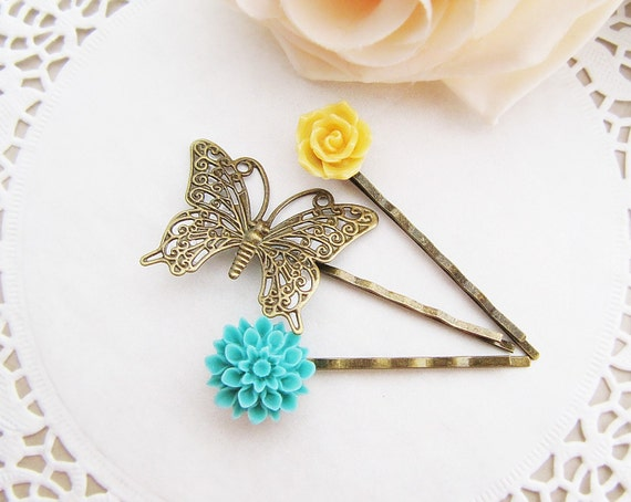 Flowers and Butterfly - Vintage style flower cabochon hair bobby pins