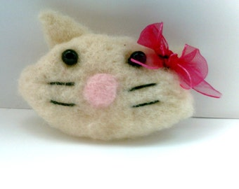 Needle Felted Kitty Face Brooch