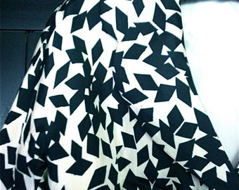Vintage 1950s Black And White Cropped Silk Jacket