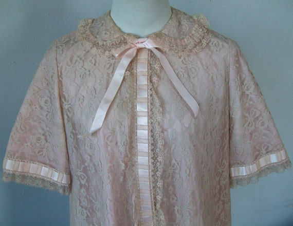 Vintage Odette Barsa Matej Robe - Peach & Ecru Lace Overlay On Pink - Small To Medium