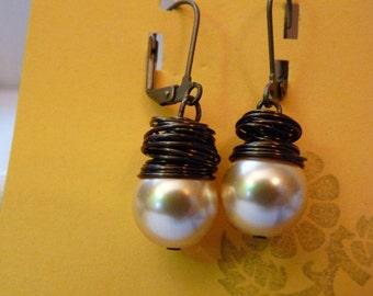 Chunky Pearl Earrings