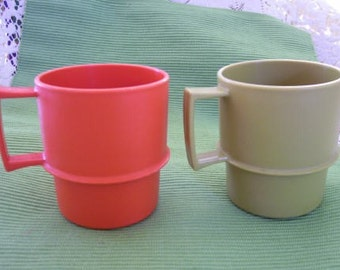 Mugs Tupperware retro olive and orange