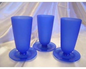 Parfait cups Tupperware set of three bright blue
