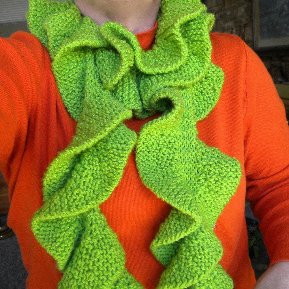 Knitting Pattern For Potato Chip Scarf : Scarf Green Knit Potato Chip Lime Ruffles FREE SHIPPING
