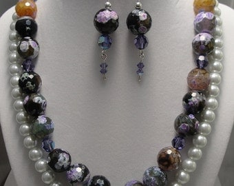 SALE - Agate Neckace And Earring 3 Piece Set, Beautiful Faceted Agate & Crystal Beads in Awesome Shades Of Purple, Lavender, Jade And Amber