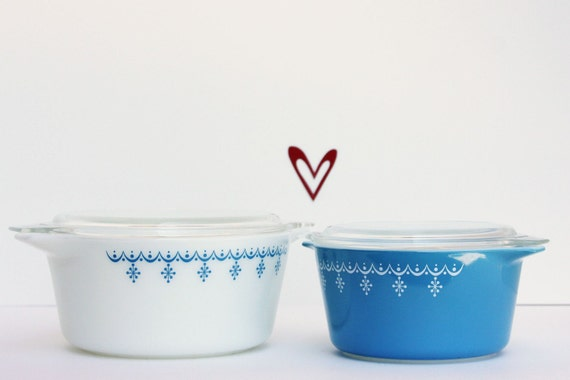 Vintage Pyrex Casseroles with Glass Lids - Snowflake Blue Pattern