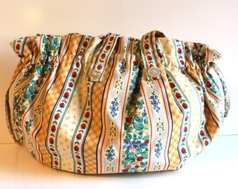 Vintage Floral Canvas Hobo Purse