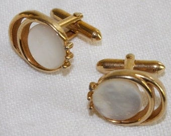 Vintage 1950s Cuff Links Gold toned Mother of Pearl by Swank