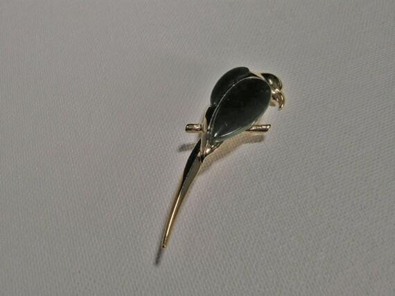 Vintage Macaw Green jade Cabachon Brooch Pin