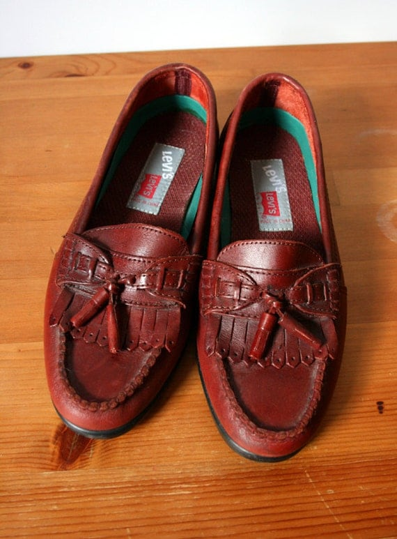 80s Oxblood Leather Levi's Comfy Loafers with Tassels, Unisex // Size 7.5 US Men's, Women's 8.5, 9