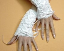 White Regency Corset Gloves with Lace Ruffle, Edwardian Wedding Armwarmers for Bride, Shiro Lolita Laced Up Gloves, Renaissance and Baroque