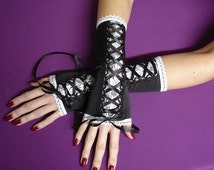 Elegant Laced Gothic Lolita Gloves, Black and White Corset Armwarmers with Lace Trim, EGL, Costume, Regency, Cosplay