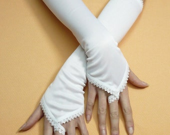 White Wedding Gloves with Finger Loop, Armwarmers with Lace Trim, Regency and Edwardian Style, Fingerless, Romantic and Elegant, Bridal