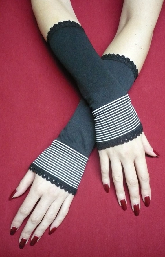 Elegant Striped Black and White Armwarmers, Fingerless Gloves for Gothic and Lolita Styles, Charming Pin Up Armwarmers in 60s Style