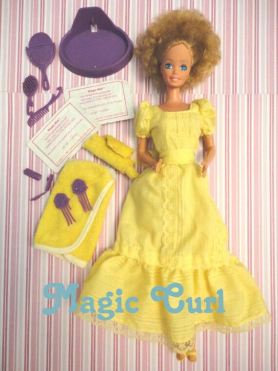 Fabulous complete Magic Curl vintage Superstar era Barbie doll lovely