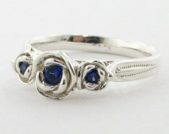 Three Roses, Silver ring with Sapphire