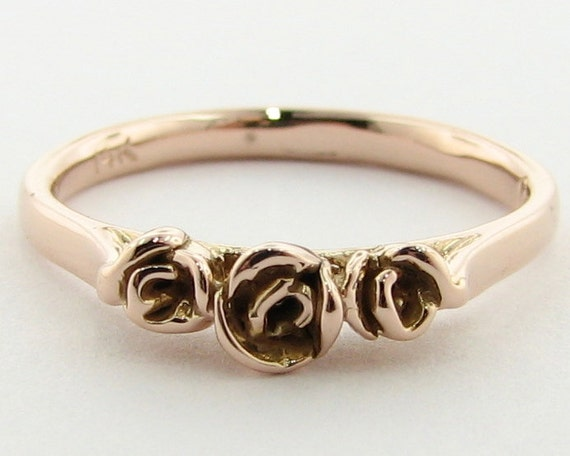 Three Dainty Roses Band, 14K