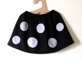 Girl skirt, black fleece with with grey dots