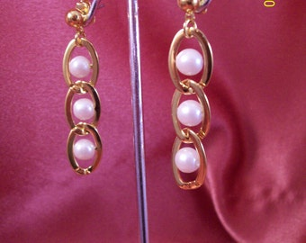 Vintage Faux Pearls in Chains Earrings