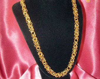 SALE-Vintage Goldtone Tri-Link Necklace