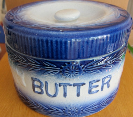 sale ANTIQUE STONEWEAR Blue and White BUTTER Crock with handle Cows Daisies Floral