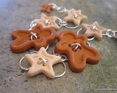Gingerbread Man Button Bracelet with Stars