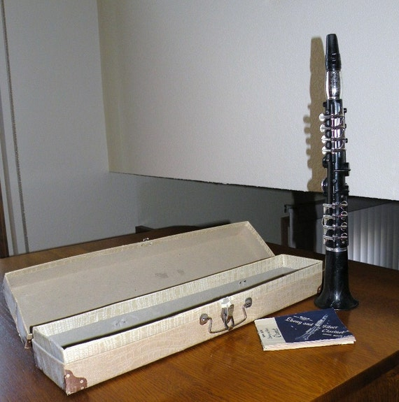 Toys From 1953 : Toy clarinet in the original box by
