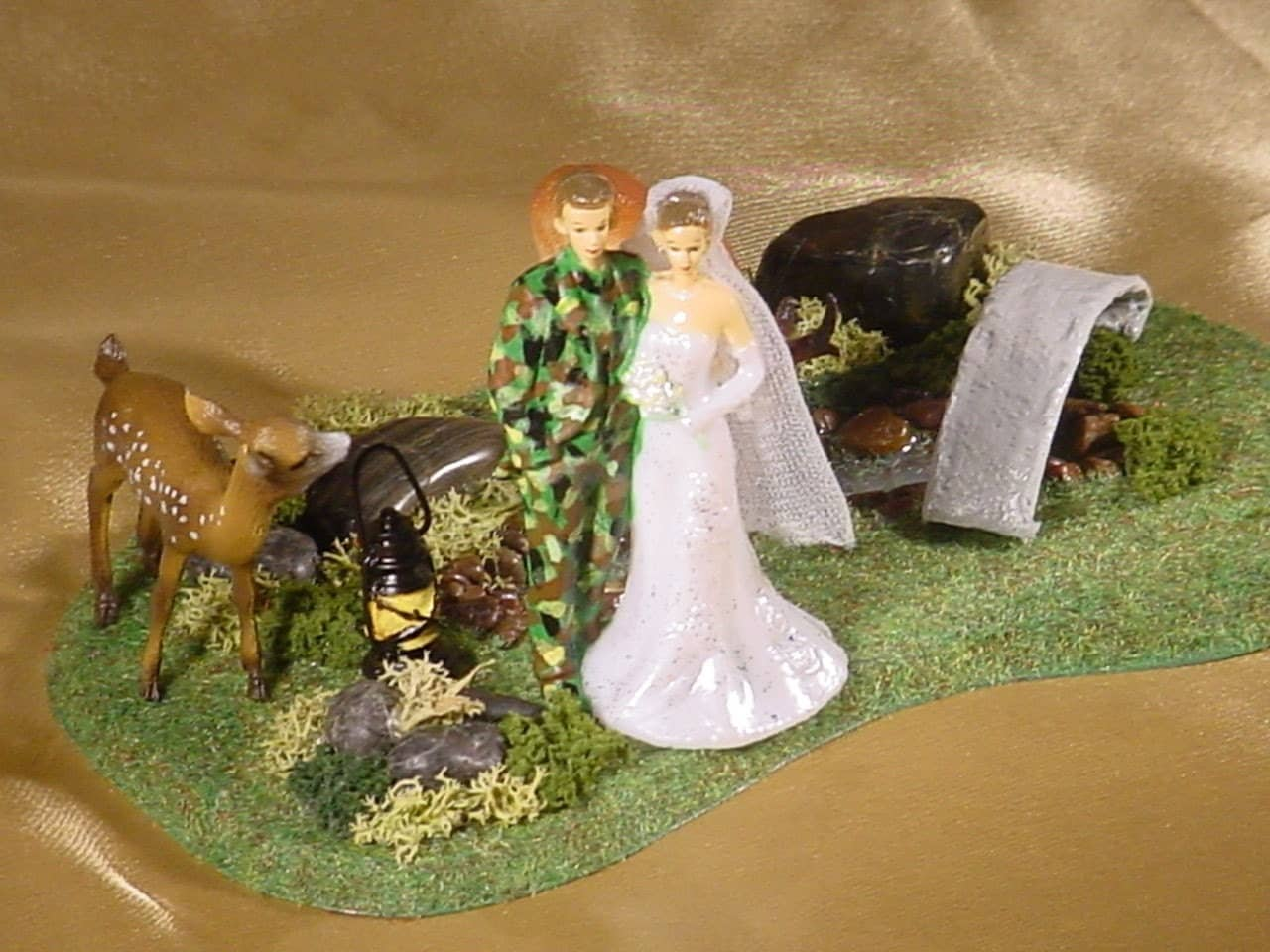 Camo Hunter Hunting Hunt Wedding Cake Topper With Green