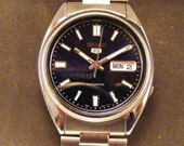 Reserved for Roxanne   Mens Seiko 5  Very Gently Used 21 Jewel Automatic Excellent with Box Extra Links And Book