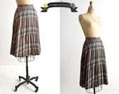 vintage 1960s skirt - plaid 60s skirt - vintage pleated 1960s skirt