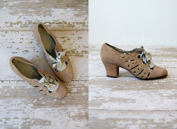 women's vintage shoes in taupe with french blue ribbon tie up front and cut out sides