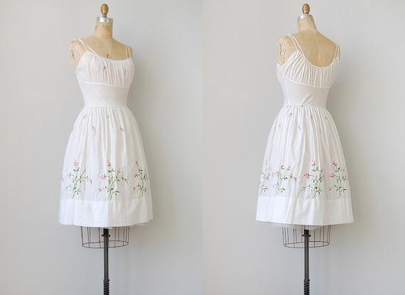 vintage 1950s dress / vintage 50s dress / vintage white floral 1950s sundress