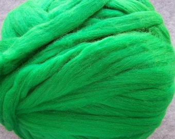 Wool Roving, Merino Wool, Merino Wool Roving, Green Wool Roving, Felting Wool, Spinning Wool,  Kelly Green - 8oz
