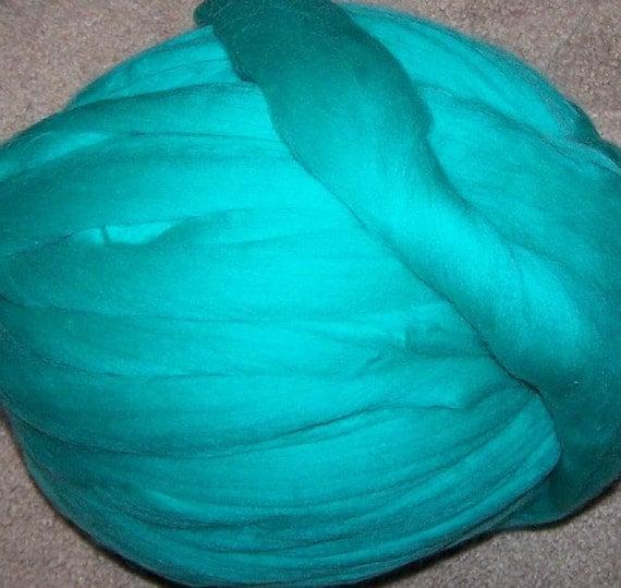 Roving Merino Wool - Jade - 8oz