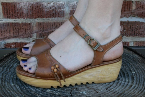 Blame it on my hippie heart, leather sandals with rubber platform sole